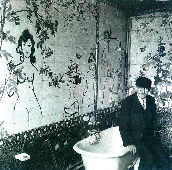 Milde Provokation von Saul Steinberg – Frauen mit Badewanne, Paris 1959