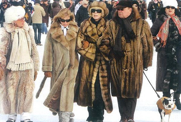 Gruppe von Reichen in Sankt Moritz
